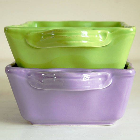 love the lime green oven dish