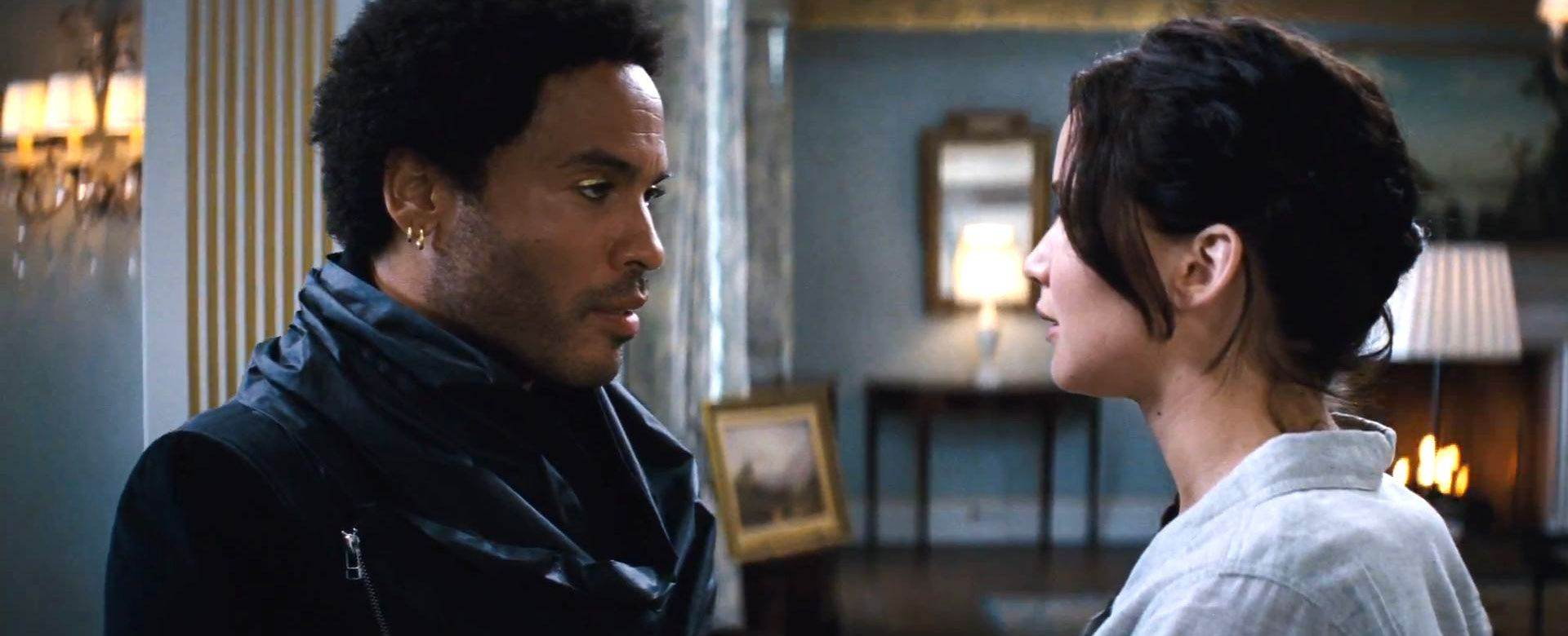 Video Cinna Embraces His Inner Lenny Kravitz In Catching Fire