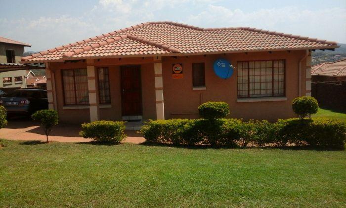 R890 000, Stonehenge, 2 bed, 2 bath. Contact Ayanda 072 788 9473