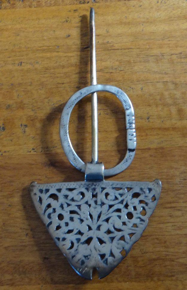 GRANDE ET BELLE FIBULE BERBERE TUNISIENNE EN ARGENT in Bijoux, montres,  Bijoux fantaisie, Bracelets de cheville   eBay b187965bf09