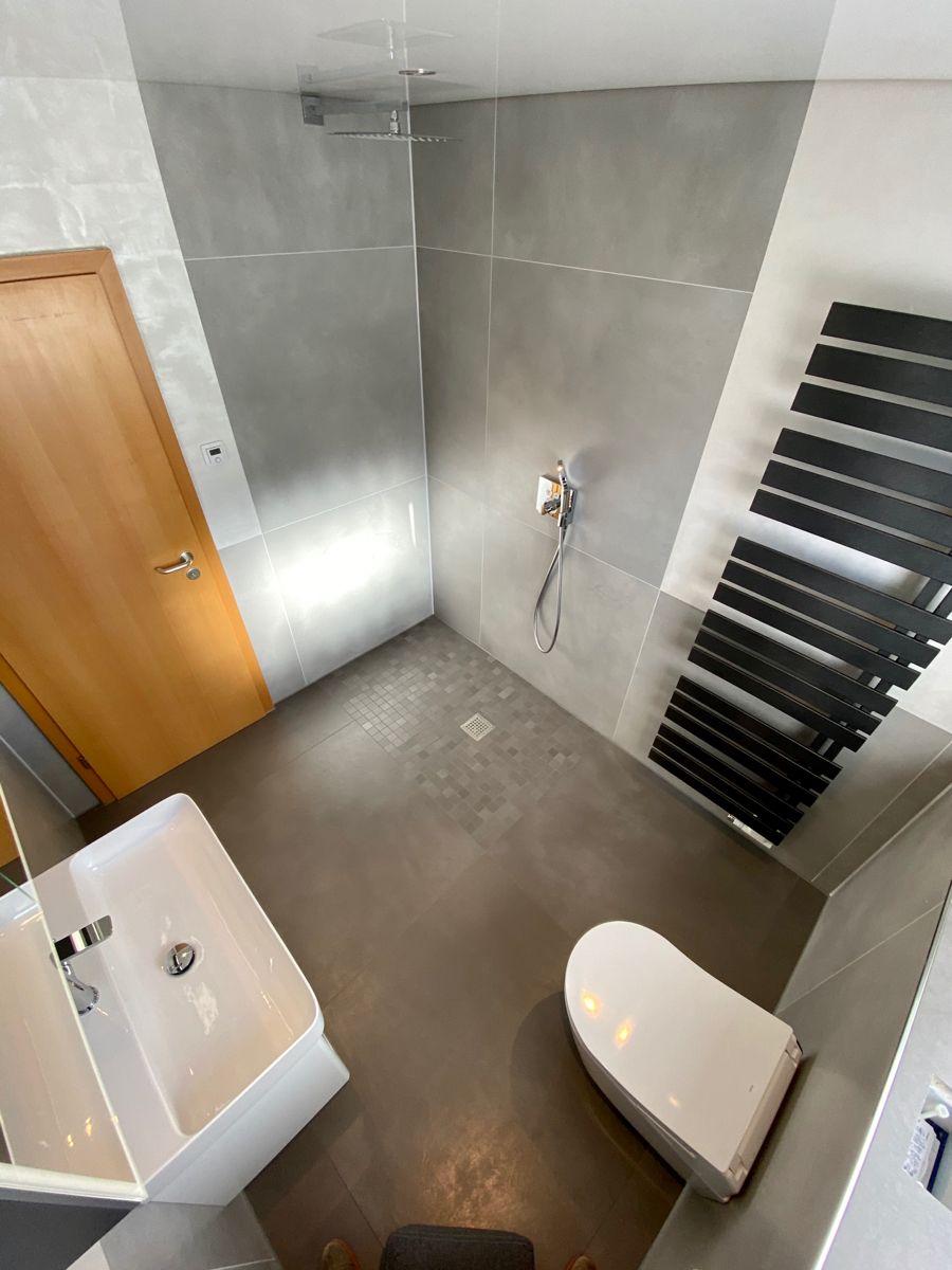 Badezimmer 2 0 In 2020 Heizungstechnik Badsanierung Warmepumpe