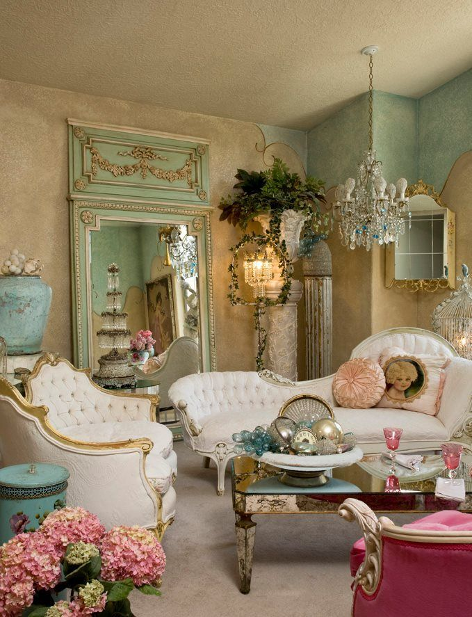 Casa romantica shabby chic magazine so shabby french for Decoration salon francais