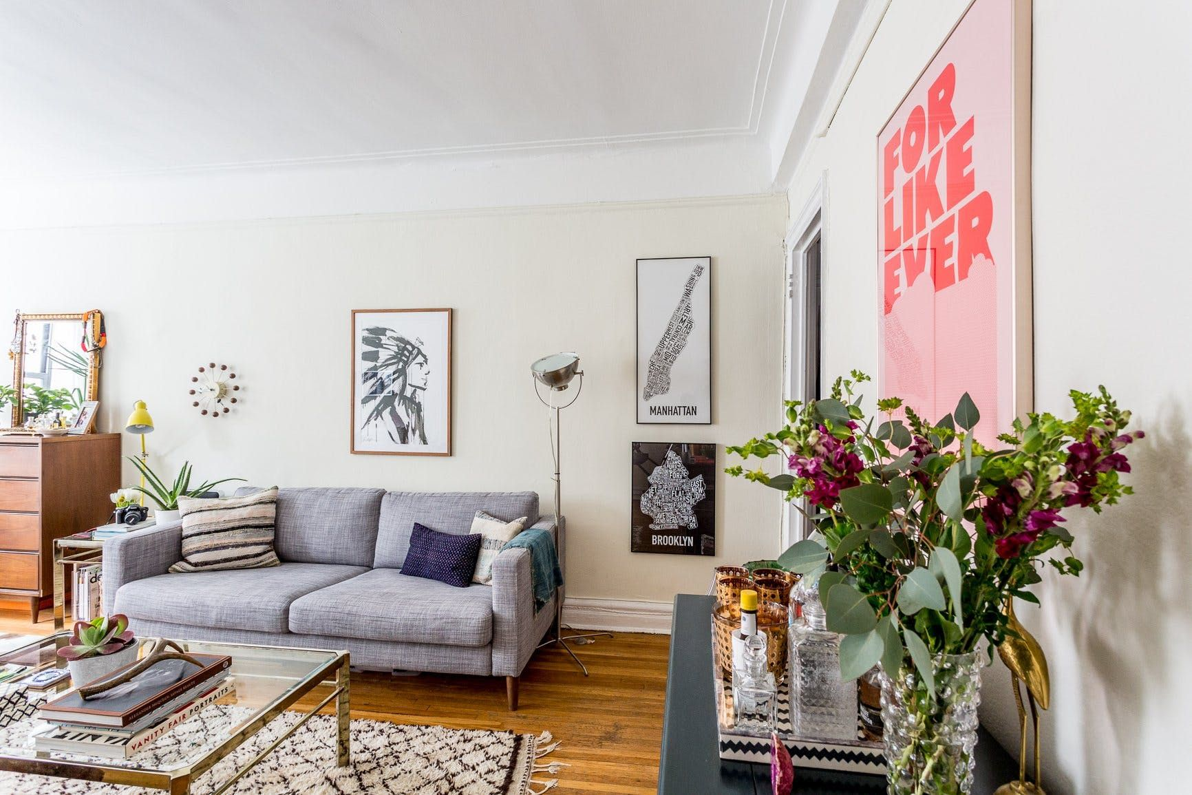 These Studios Prove That One Room Living Can Be Super Stylish Studio Apartment Layout Apartment Layout Studio Apartment