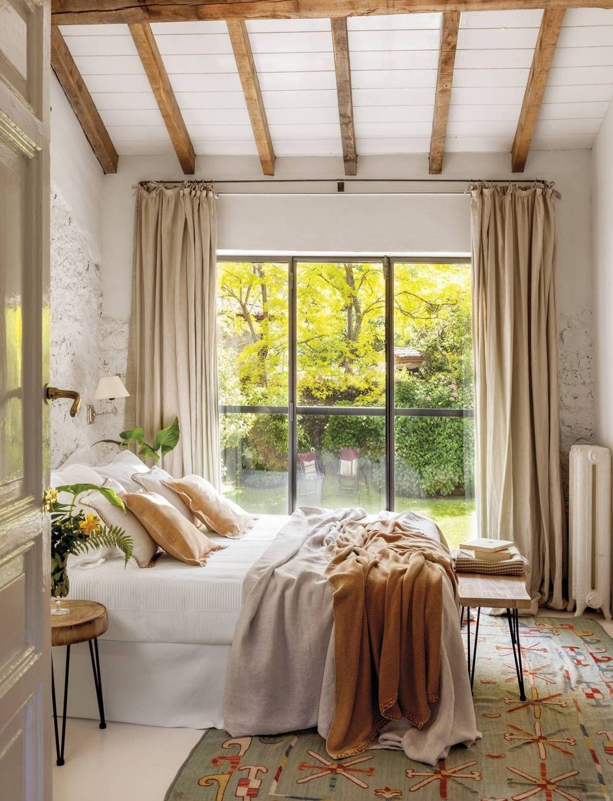 Cette Maison De Campagne Au Style Intemporel Etait Une Ancienne Ecurie Planete Deco A Homes World En 2020 Decoration Maison Deco D Interieur Bon Marche Interieur Maison De Campagne