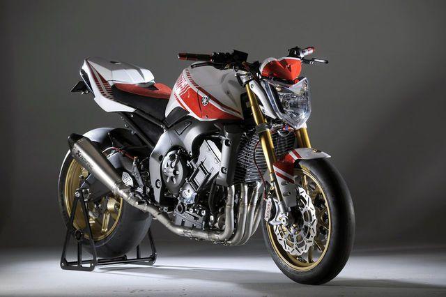 Inilah Wujud Penghargaan Yamaha Bercokol Di Italia Untuk Mengenang Tahun Kelahiran Sang Desainer Otomotif Karl Abarth Yang Ke 100 Yamaha Fz Bike Yamaha Fz