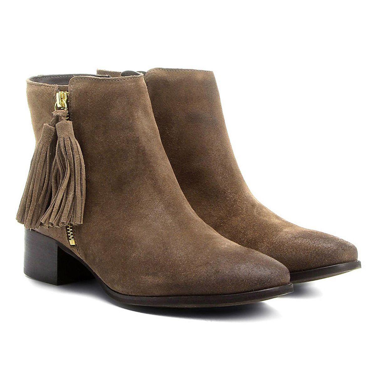 c5ea0d6f15 Bota Couro Chelsea Shoestock Salto Grosso Feminina - Marrom em 2019 ...