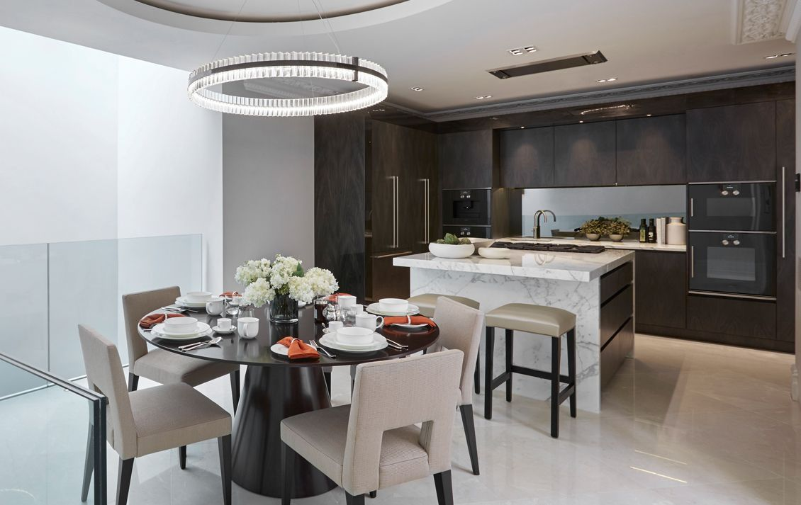 Belgravia grand townhouse luxury interior design laura for Luxury contemporary kitchens
