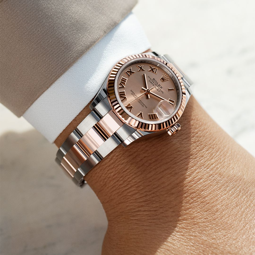The Classic Watch Of Reference The Rolex Datejust 31 In Oystersteel And Everose Gold 31 Mm Case Ros Rolex Watches For Men Rolex Watches Women Rolex Watches
