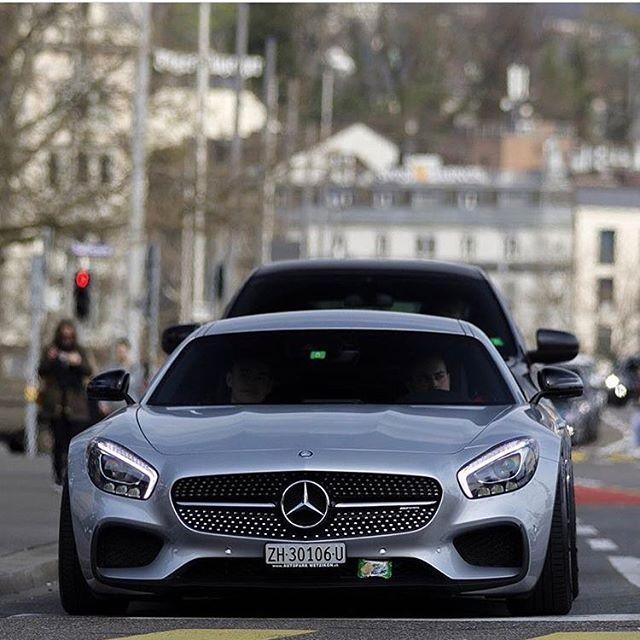 slammed GTS 😱😈💦💯 📸 @luxuryspotter || @sf_media | @cars_in_zurich | @bmw_world_ua | @fastnexotic | @carfanaticsmagazine || #Speedfanatics #Itswhitenoise #Mercedes #Benz #AMG #GTS