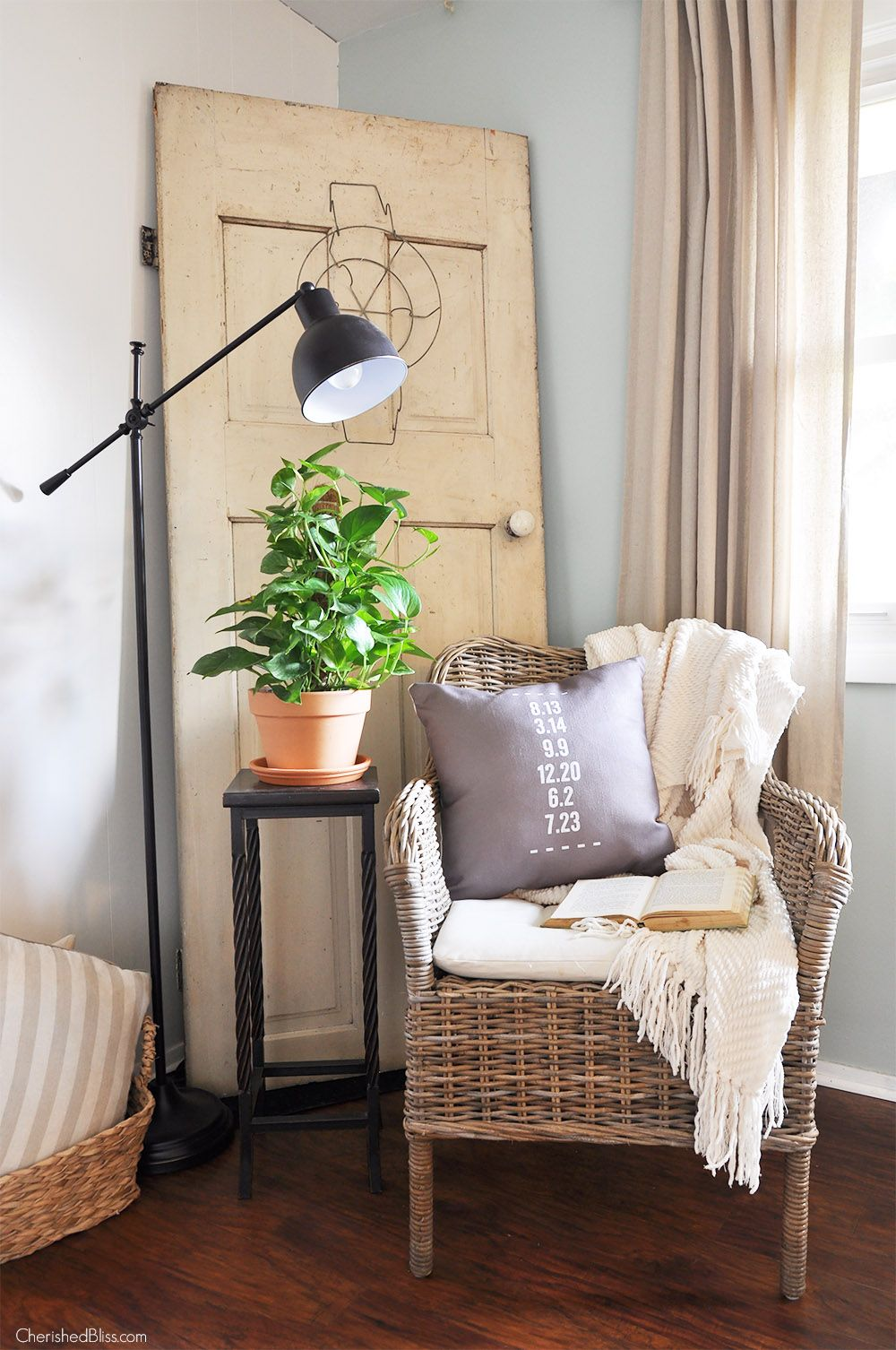 Room This Farmhouse Reading Nook