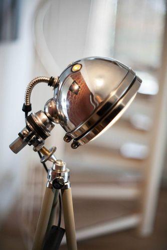 Bauhaus Art Deco Mid Century Stil Design Lampe Tripod