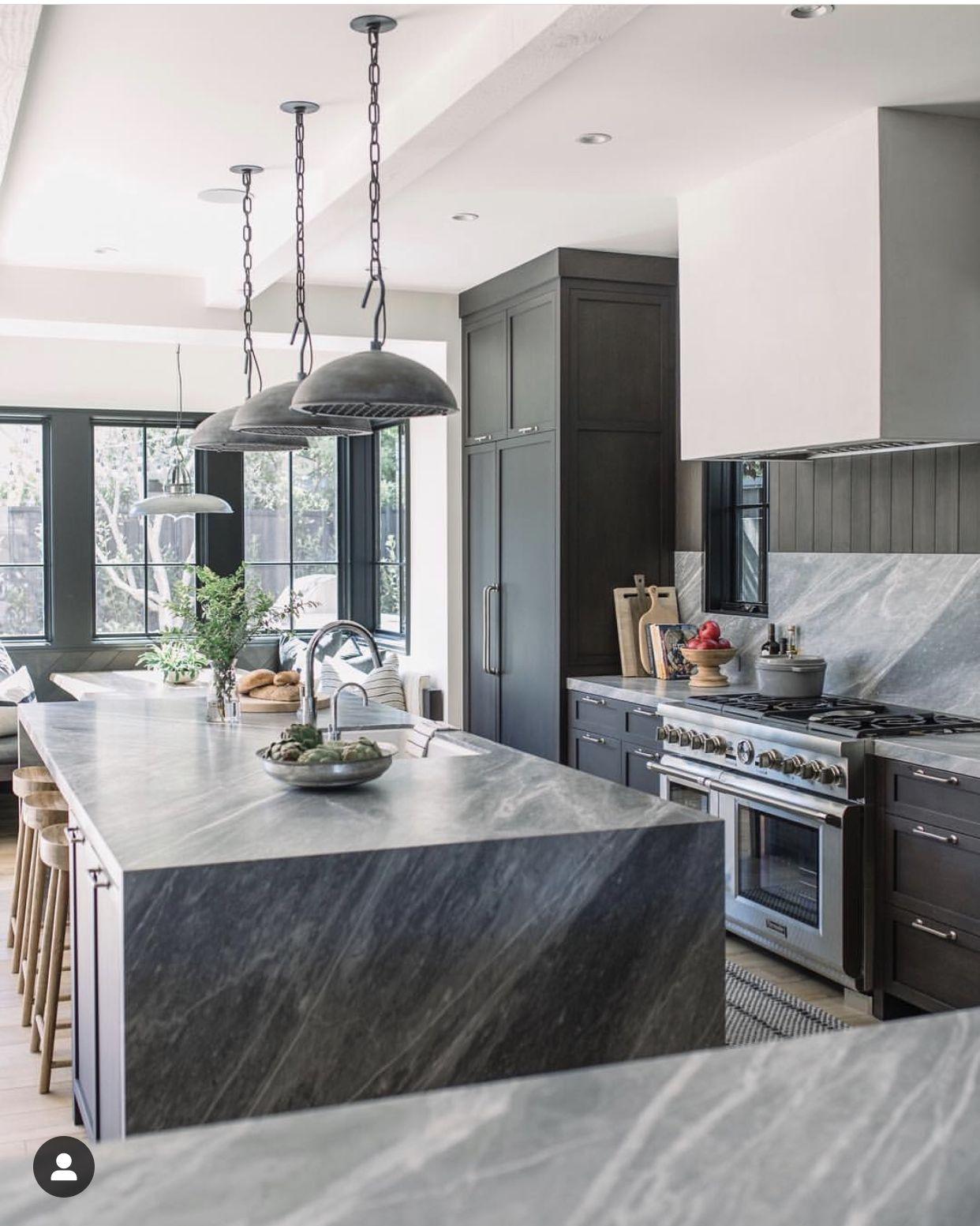 Dark kitchen   Kitchen concepts, Kitchen design, Kitchen ...