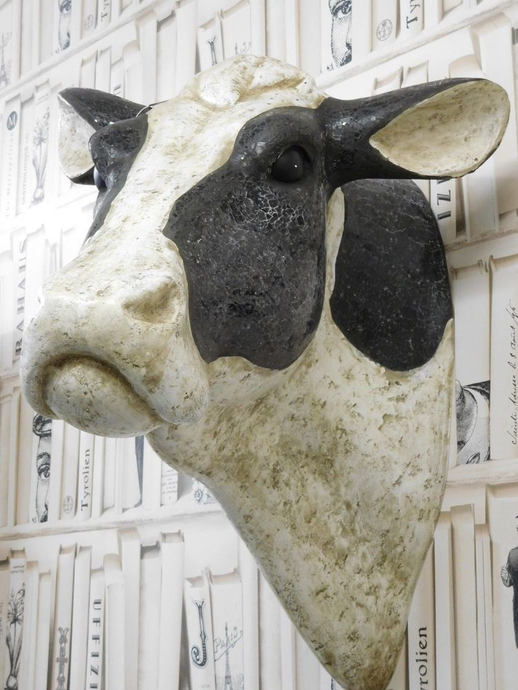 Large Wall Mounted Cows Head Animal Sculpture Ornament Home Decor