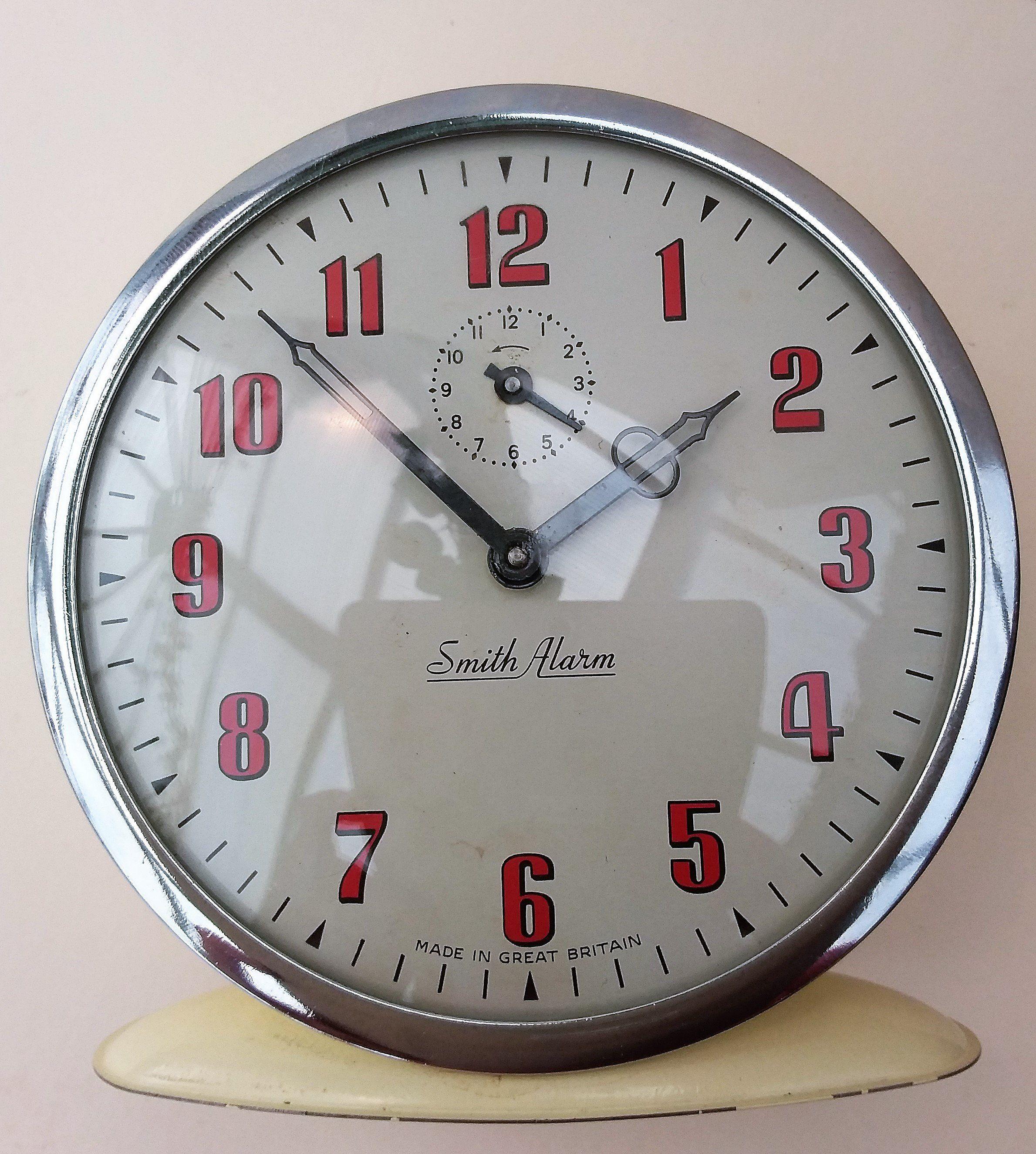 Vintage Smith alarm clock, working wind up cream clock. Red ...