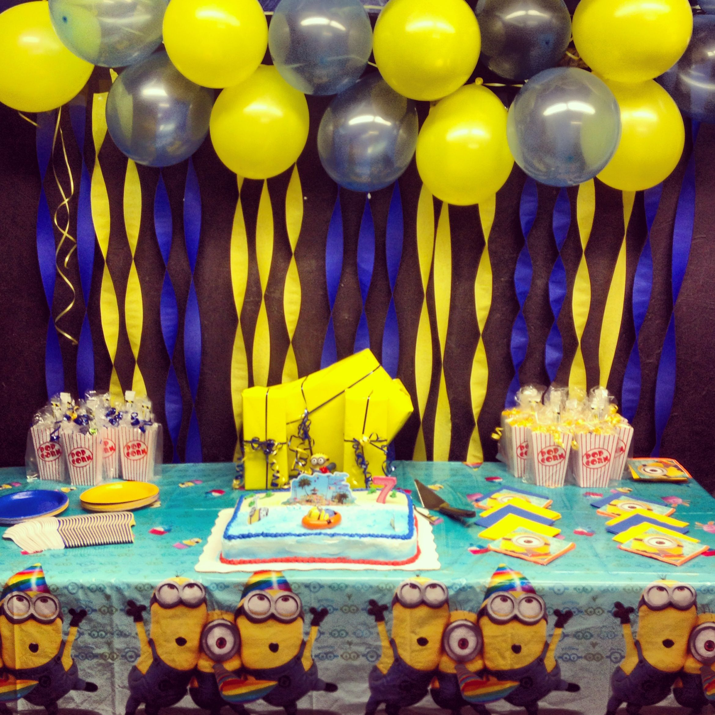 Despicable Me Party Decorations Aaliyah S Baby Shower Pinterest