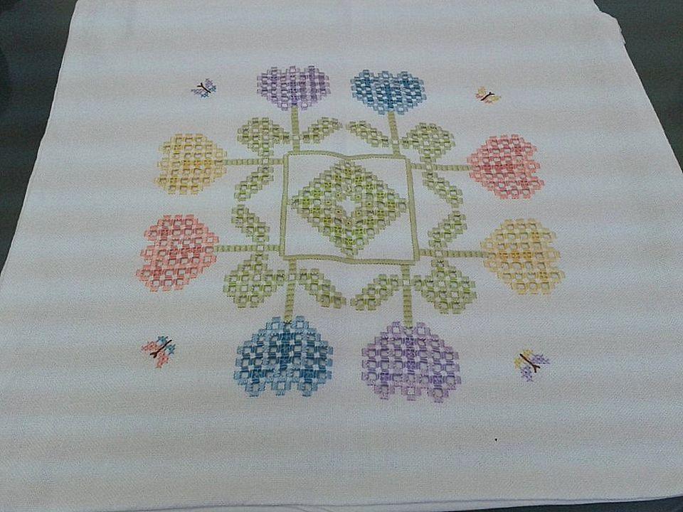 Una vetrina di fantastici lavori a maglia, cucito e uncinetto per stimolare gli appassionati, gli intenditori, e le vere esperte del ricamo