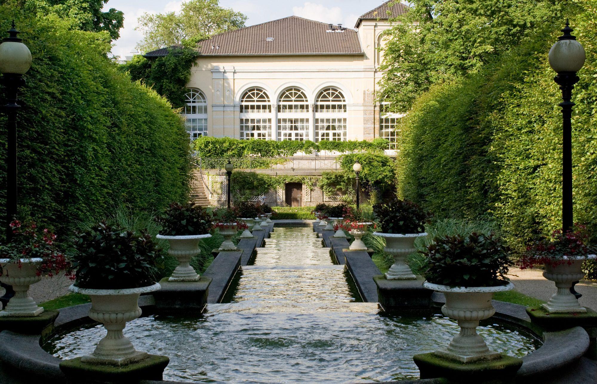 Flora Und Botanischer Garten Koln Botanic Garden In Cologne Thousand Wonders Hausbauen Wohnungeinrichten Innereskind Wohnzimmerideenwandgest House Styles
