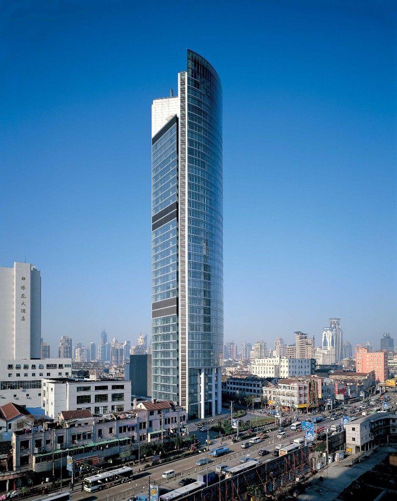 Norman Foster es un arquitecto británico, fundador de Foster and Partners, una de las firmas arquitectónicas más importantes del Reino Unido
