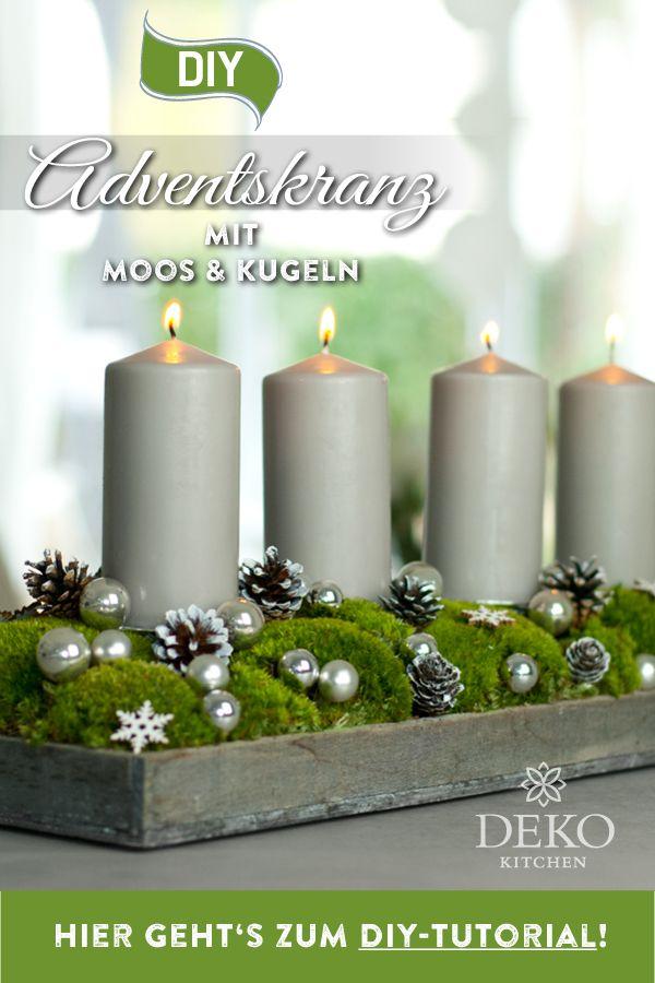DIY-Weihnachtsdeko: hübscher Adventskranz mit Moos & Kugeln