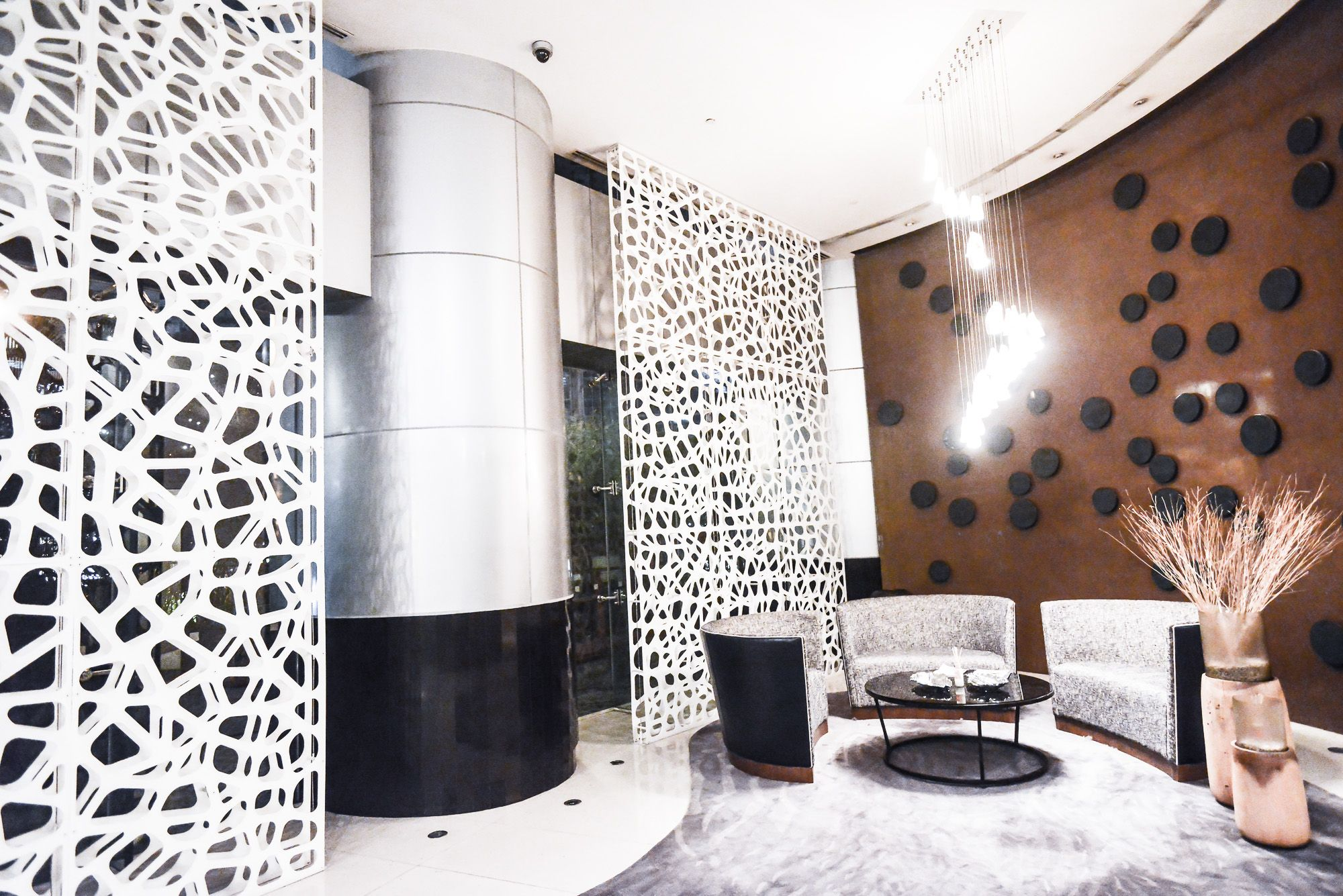 Razortoothdesign Partitions In Makati City Double Layer Screen Cell Pattern