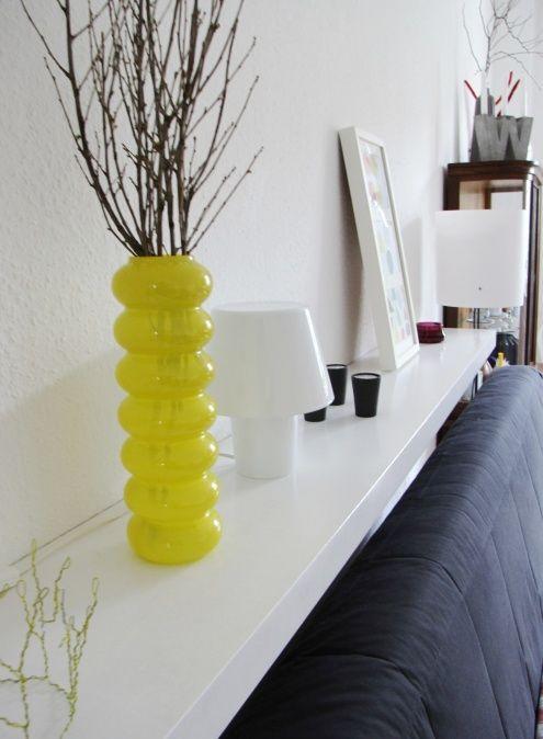 Regal Hinter Sofa Kodin Keltainen Varimaailma Sofa Living Room