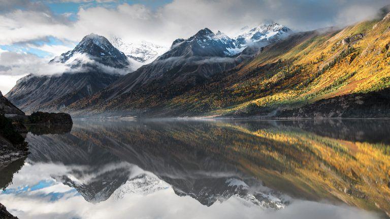 Ranwu Lake Near Rawu Tibet Autonomous Region China Scenic Lakes Tibet Lake