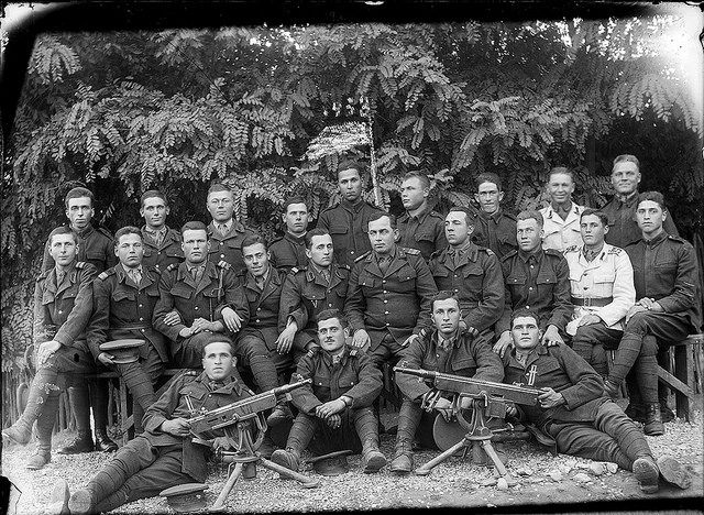 Romanian soldiers with two M1895 Colt-Browning machine guns