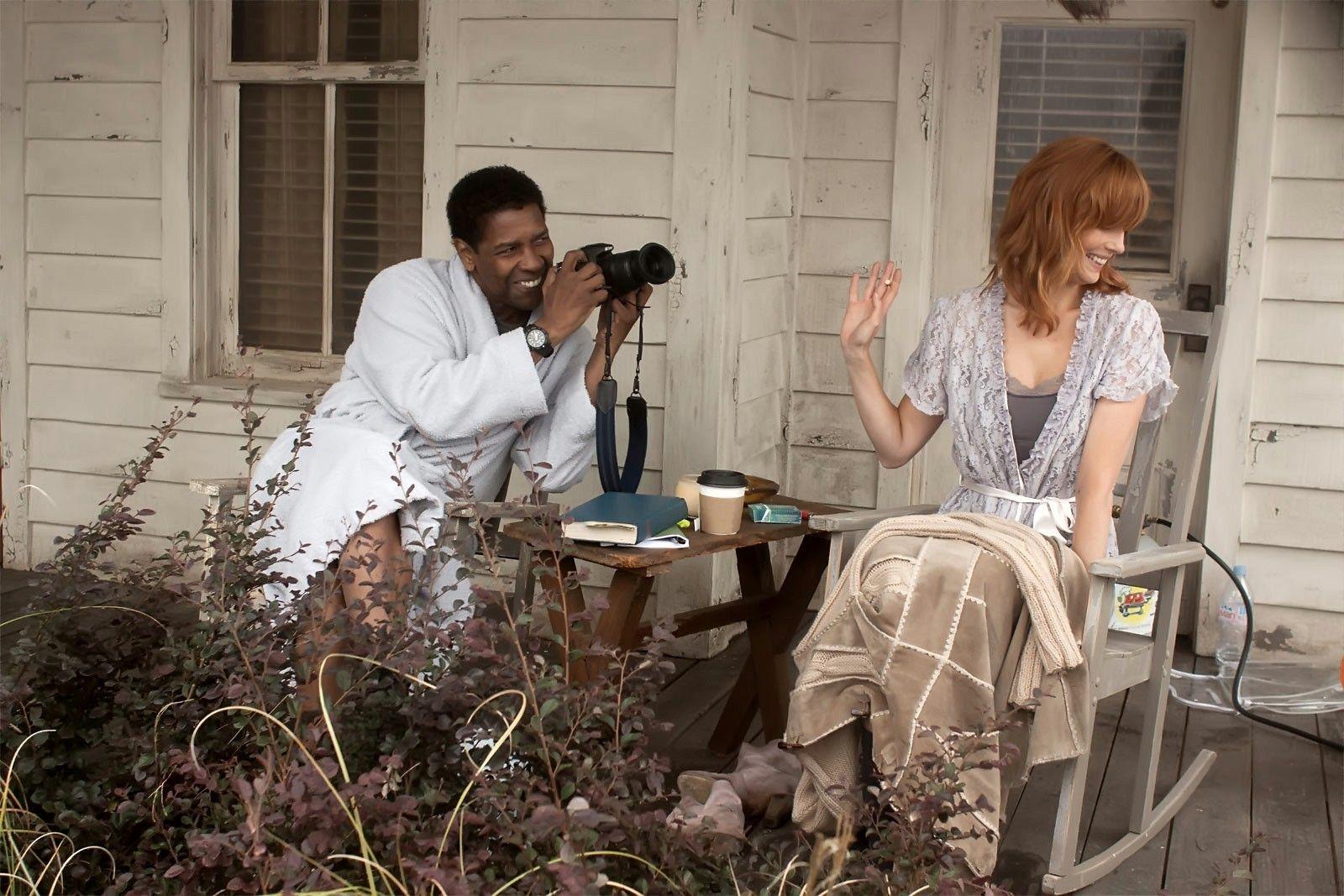 Denzel Washington and Kelly Reilly in Flight
