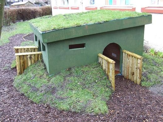 Adorable Rabbit Pen! Also could be a great dog house!