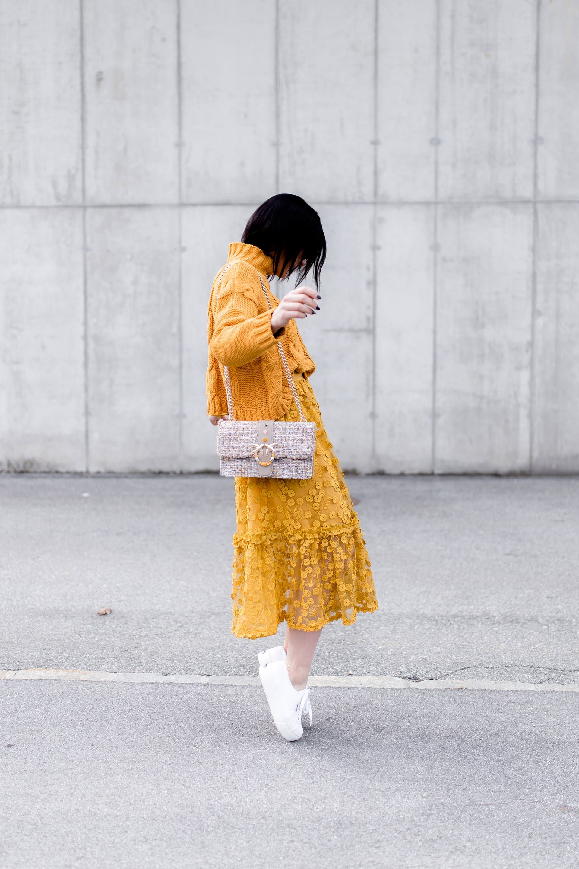 so kombiniert man die mode farbe gelb im alltag fashion shop the look pinterest. Black Bedroom Furniture Sets. Home Design Ideas