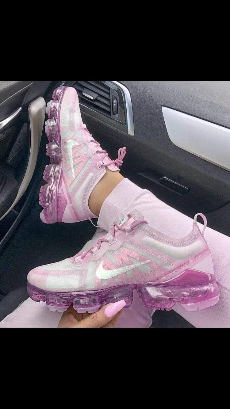 Pin van Nihad op praatbord | Nike schoenen, Schoenen, Adidas