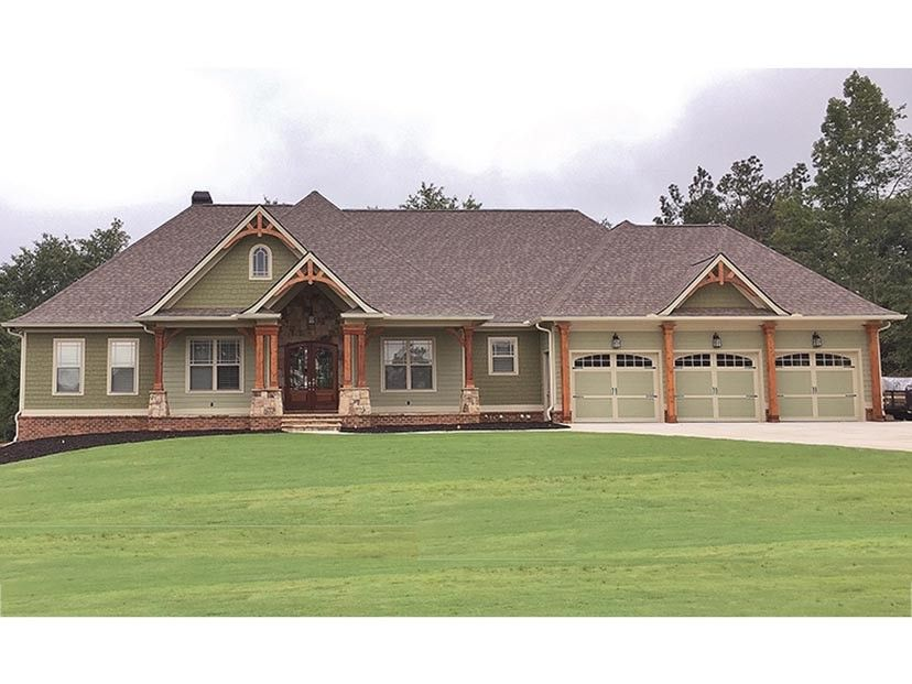 ePlans Craftsman Style House Plan – Sprawling Craftsman – 2718 Square Feet and 3 Bedrooms from ePlans – House Plan Code HWEPL77471