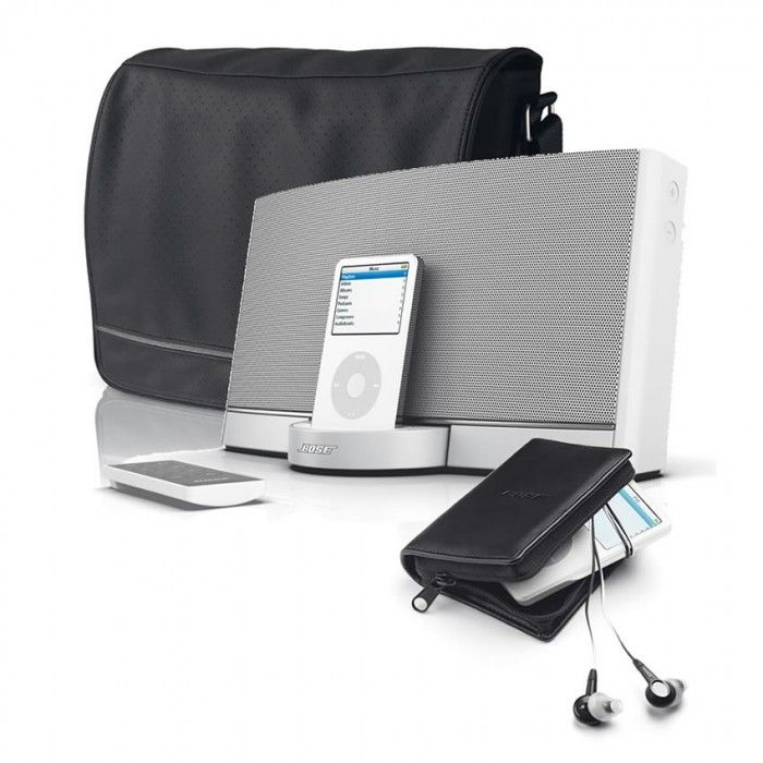 The Bose SoundDock® Portable digital music system reproduces music with fullness and clarity unmatched by other battery-powered iPod speakers.