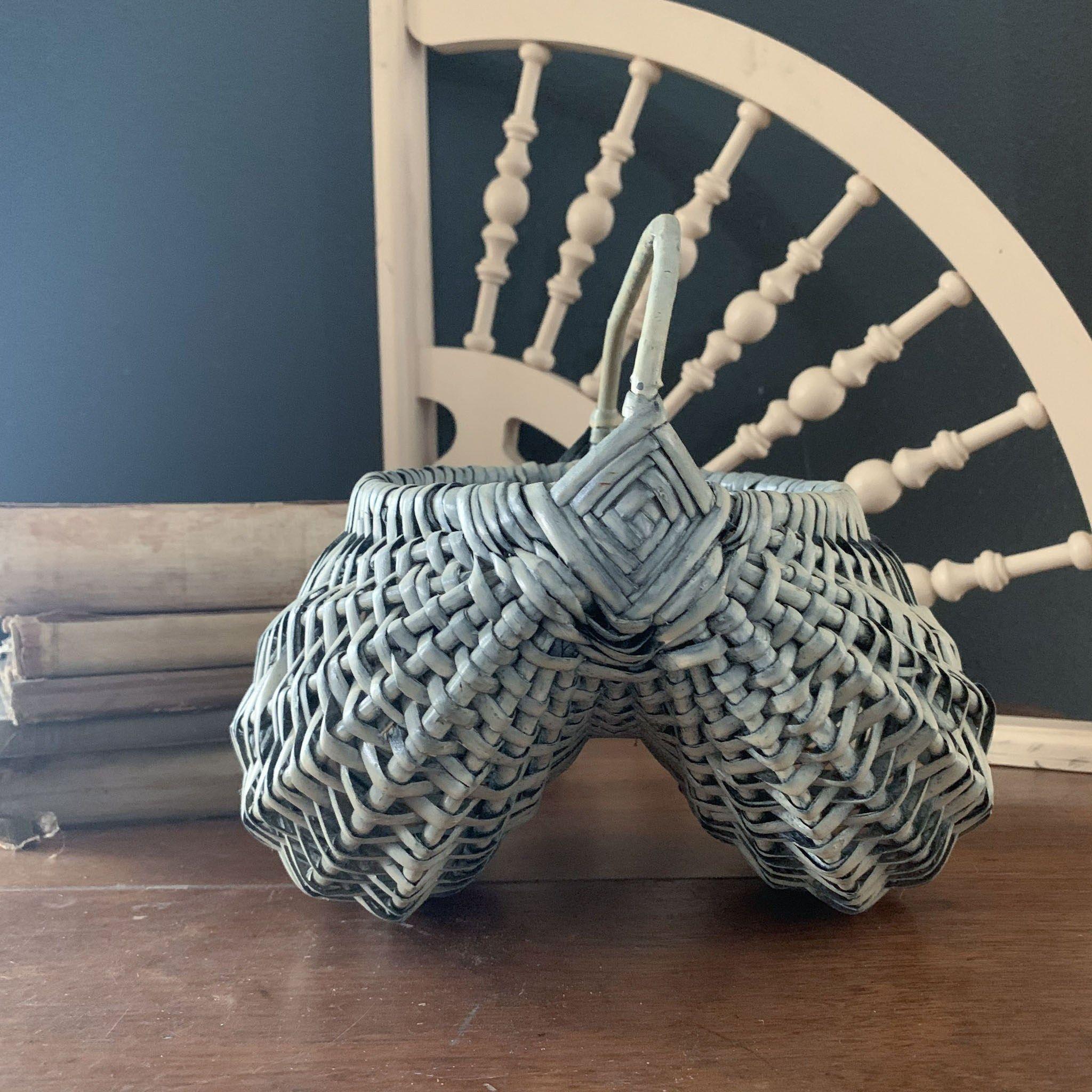 Antique blue buttocks basket egg basket farmhouse egg