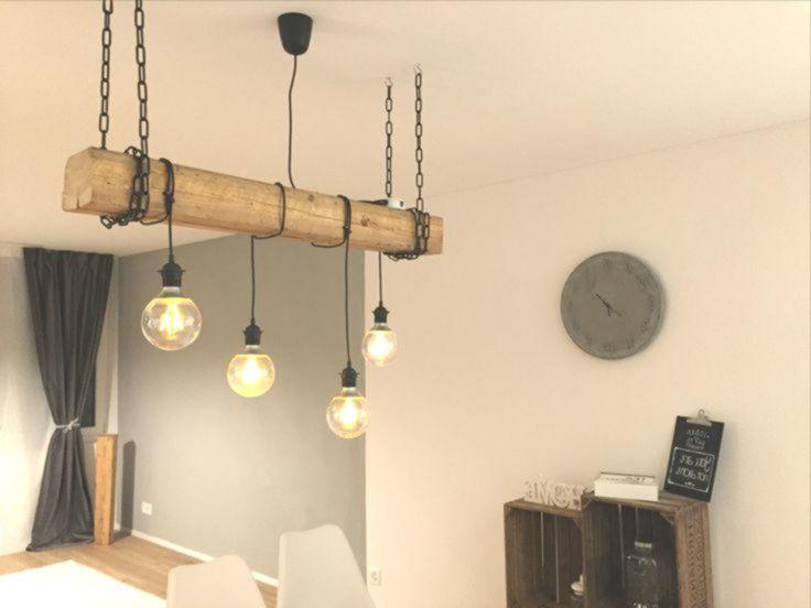 Selfmade rustikale Lampe mit hängenden Glühbirnen und ...