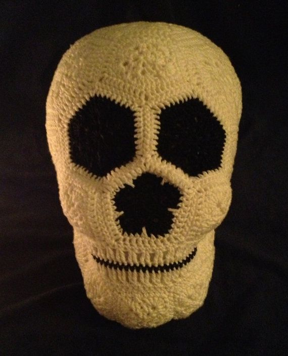 Crochet Lucy the Skull pattern 6,99 USD