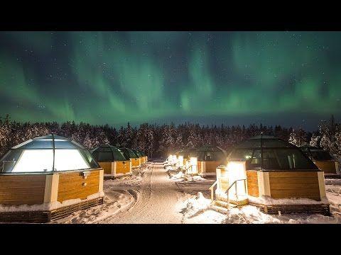 Polarlichter von einem Glasiglu in Lappland