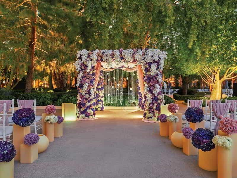Vegas Wedding Packages Venues Planners Aria Resort Casino In 2020 Las Vegas Wedding Venue Vegas Wedding Venue Vegas Wedding