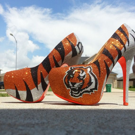 cheaper 353f8 a4440 Cincinnati Bengals custom heels! I would so wear these to ...