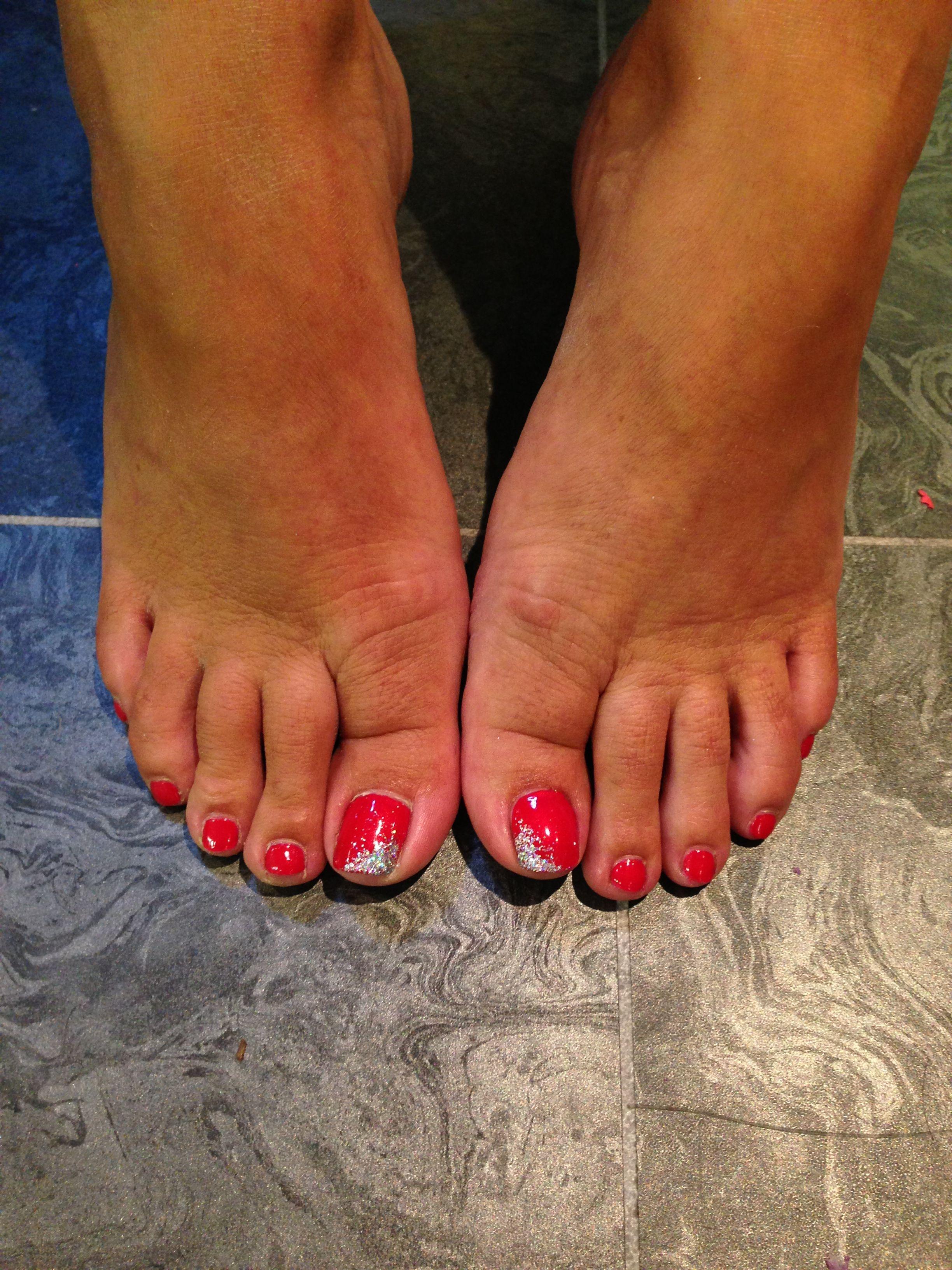Pretty Shellac Nails: Pretty Feet. ~shellac #toes #nails