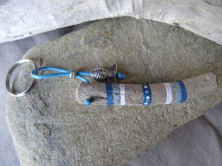 Porte clés et/ou bijou de sac bois flotté peint en bleu Driftwood