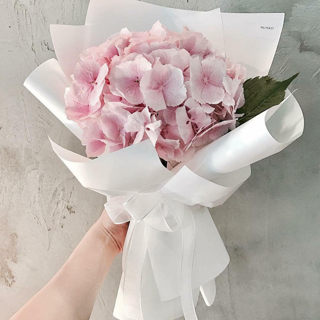 Soft pink hydrangea flower handbouquet wedding hand bouquets soft pink hydrangea flower handbouquet wedding hand bouquet hydrangea flower bouquets izmirmasajfo