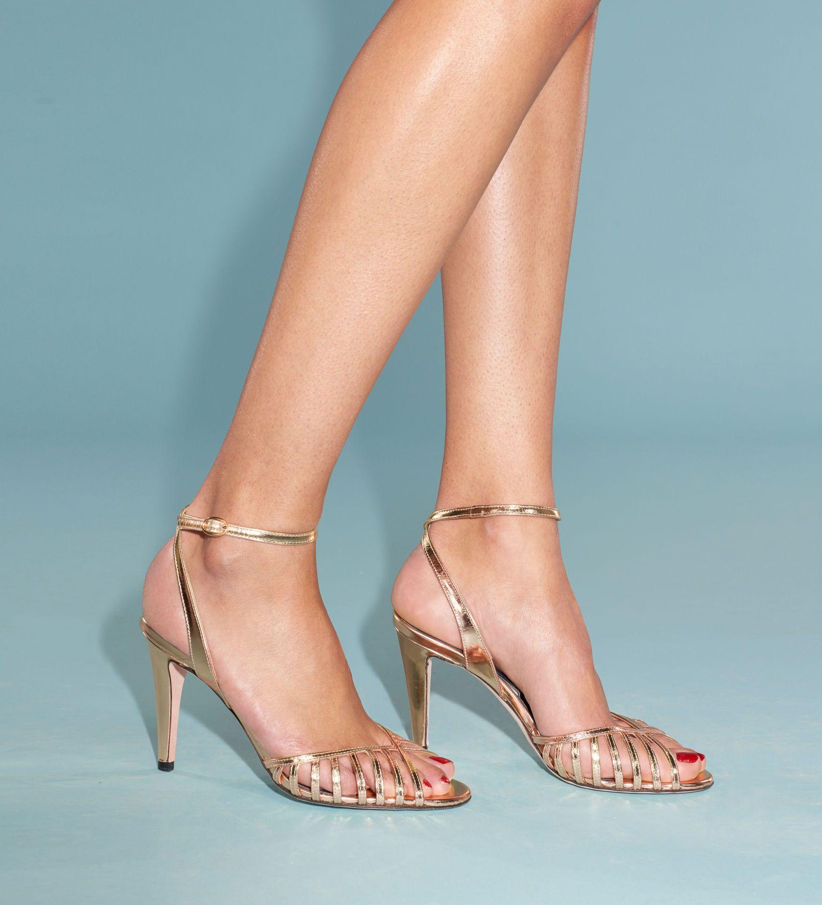 1797da10f9cd4 Vanessa Seward Gold Sandals