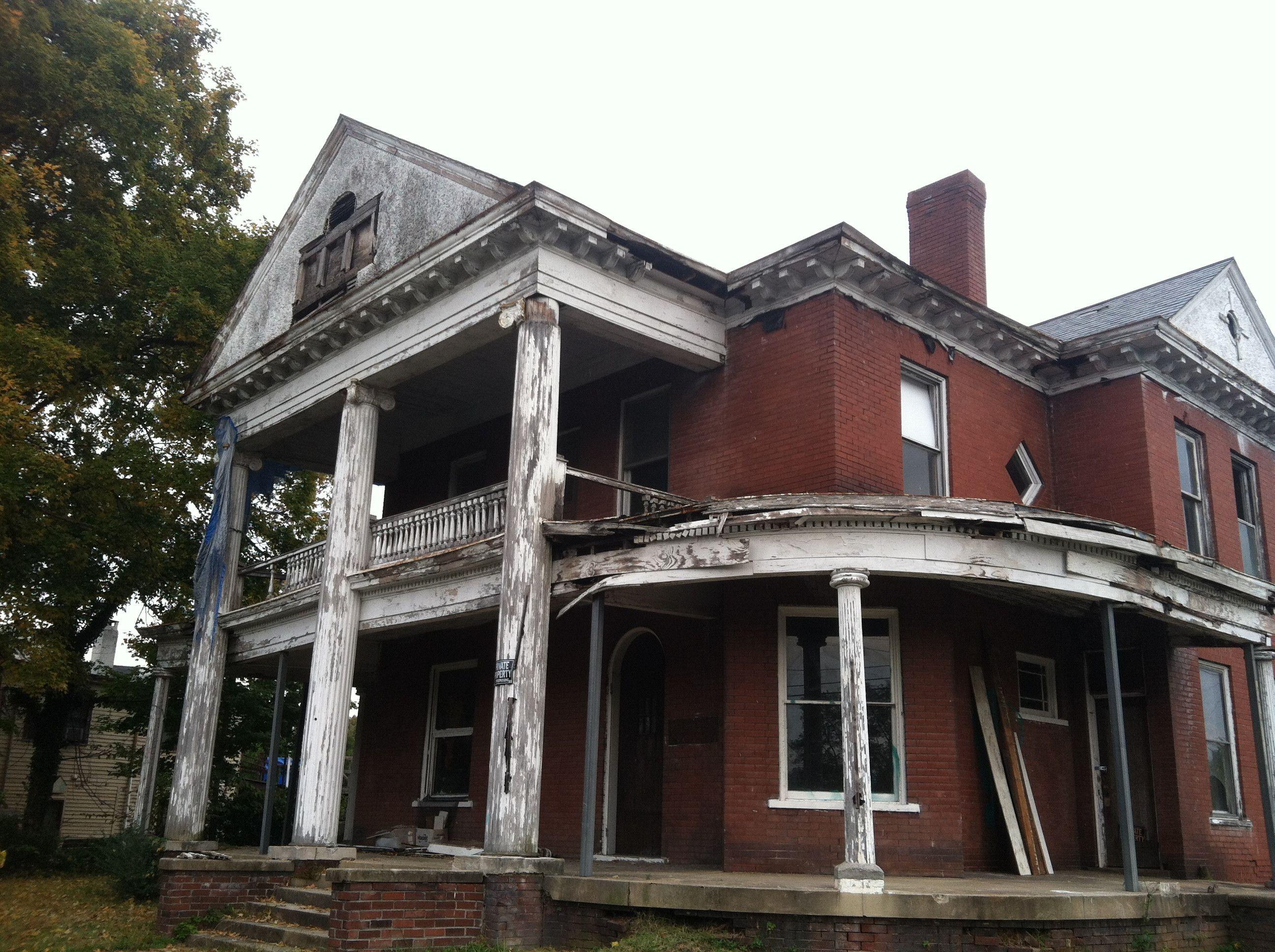 Abandoned house in Bristol, VA found on reddit http//www