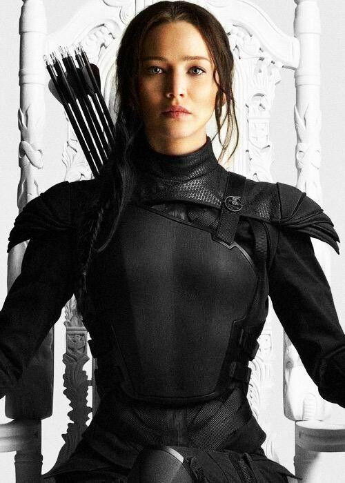 katniss soldier armour reimagined as black cosplay. Black Bedroom Furniture Sets. Home Design Ideas