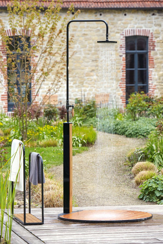 Gartendusche Erfrischung Im Sommer Gartendusche Garten Und Outdoor Gartenschlauch