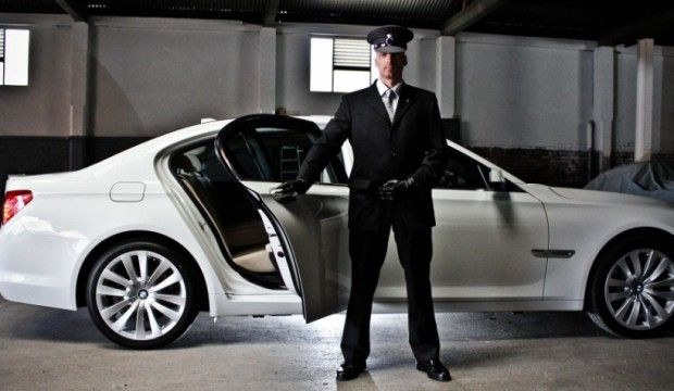Corporate Cars Hire In Sydney Or Where You Want In Australia We Offer You The Best Corporate Chauffeur Service Airport Car Service Chauffeur Service Chauffeur
