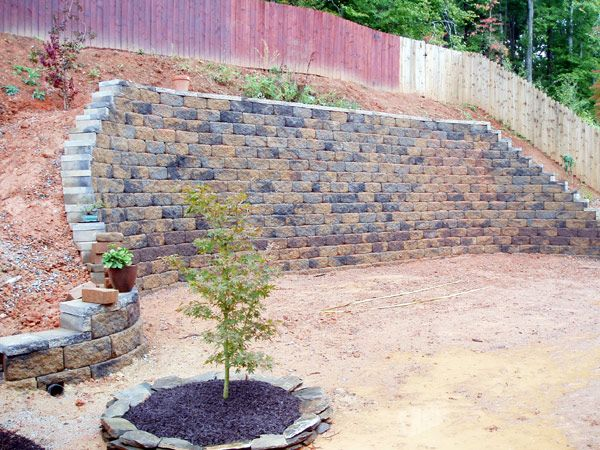 Retaining Wall Ideas Perfect For Patio Scale Down Along The Hill But 4ft High Sloped Backyard Backyard Retaining Walls Hillside Landscaping