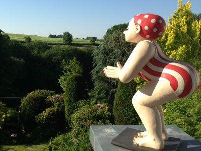 Gartenfiguren Gartenfiguren Roter Badeanzug Gartenskulptur