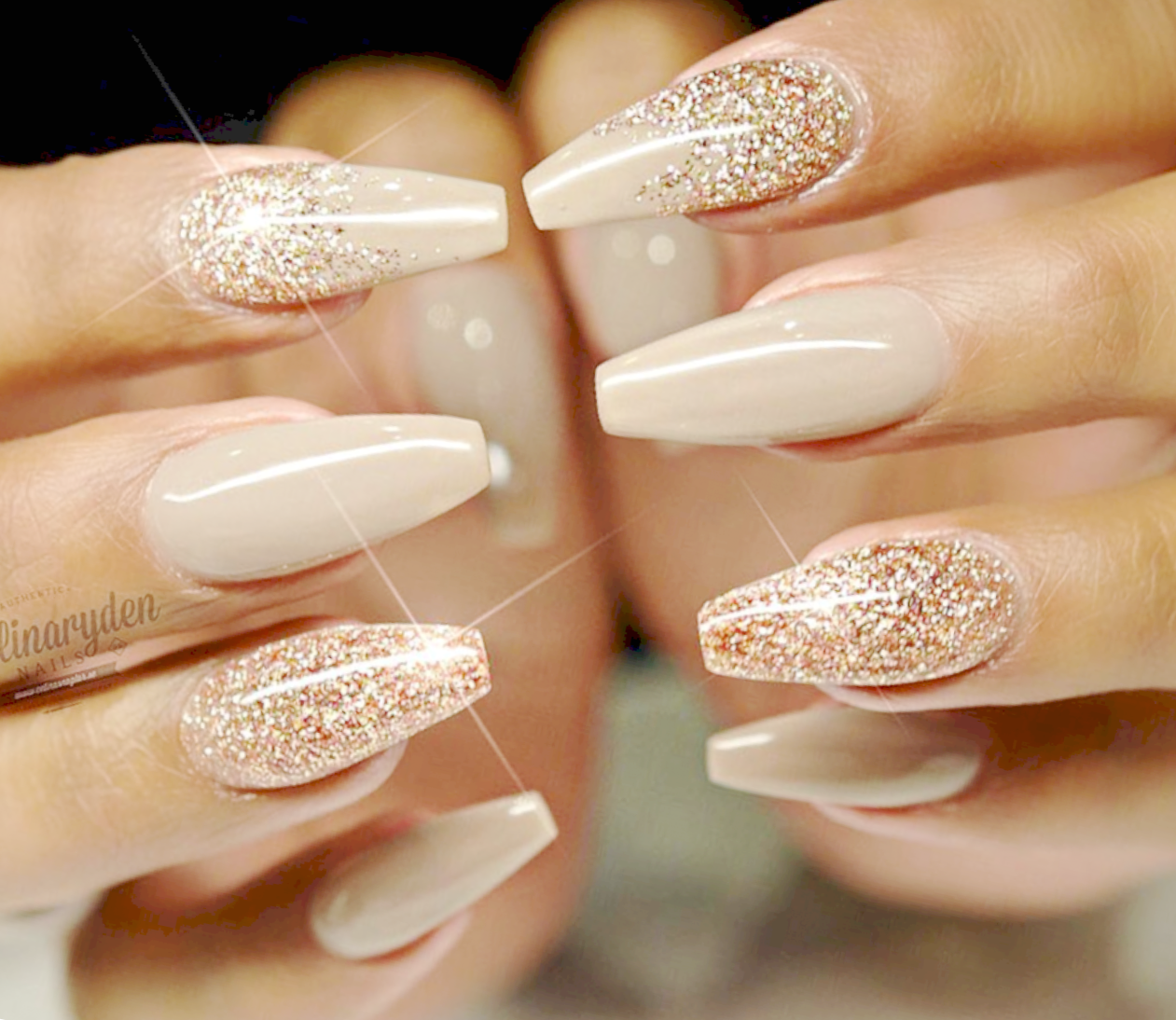 Nice Gold Gel Nail Ideas